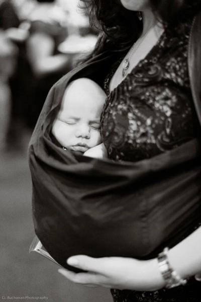 El porta bebé no es algo moderno – Crianza con Apego Natural