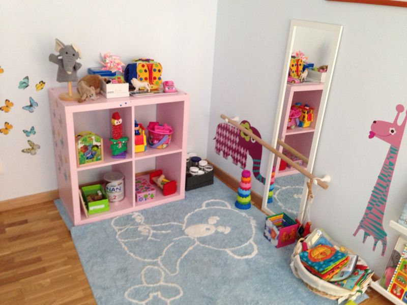 Jugar frente a un espejo por qu crianza con apego natural for Espejo montessori