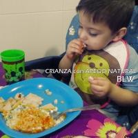 Los niños no deben comer con las manos